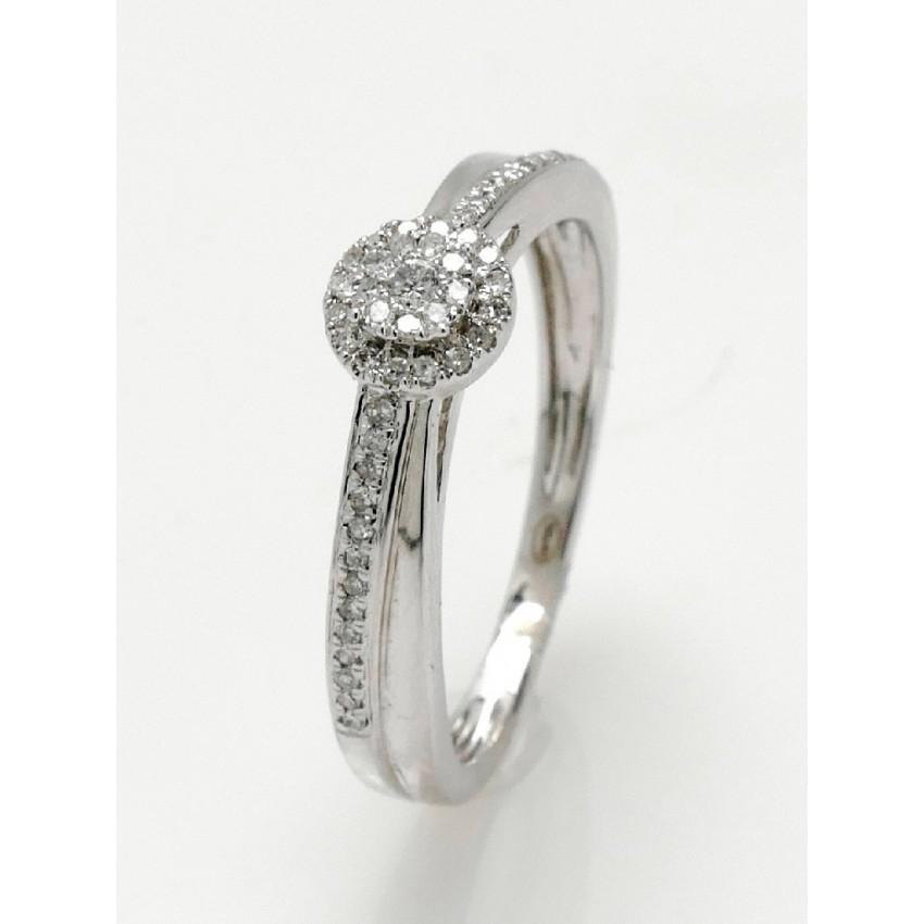 Anillo de diamantes roseta